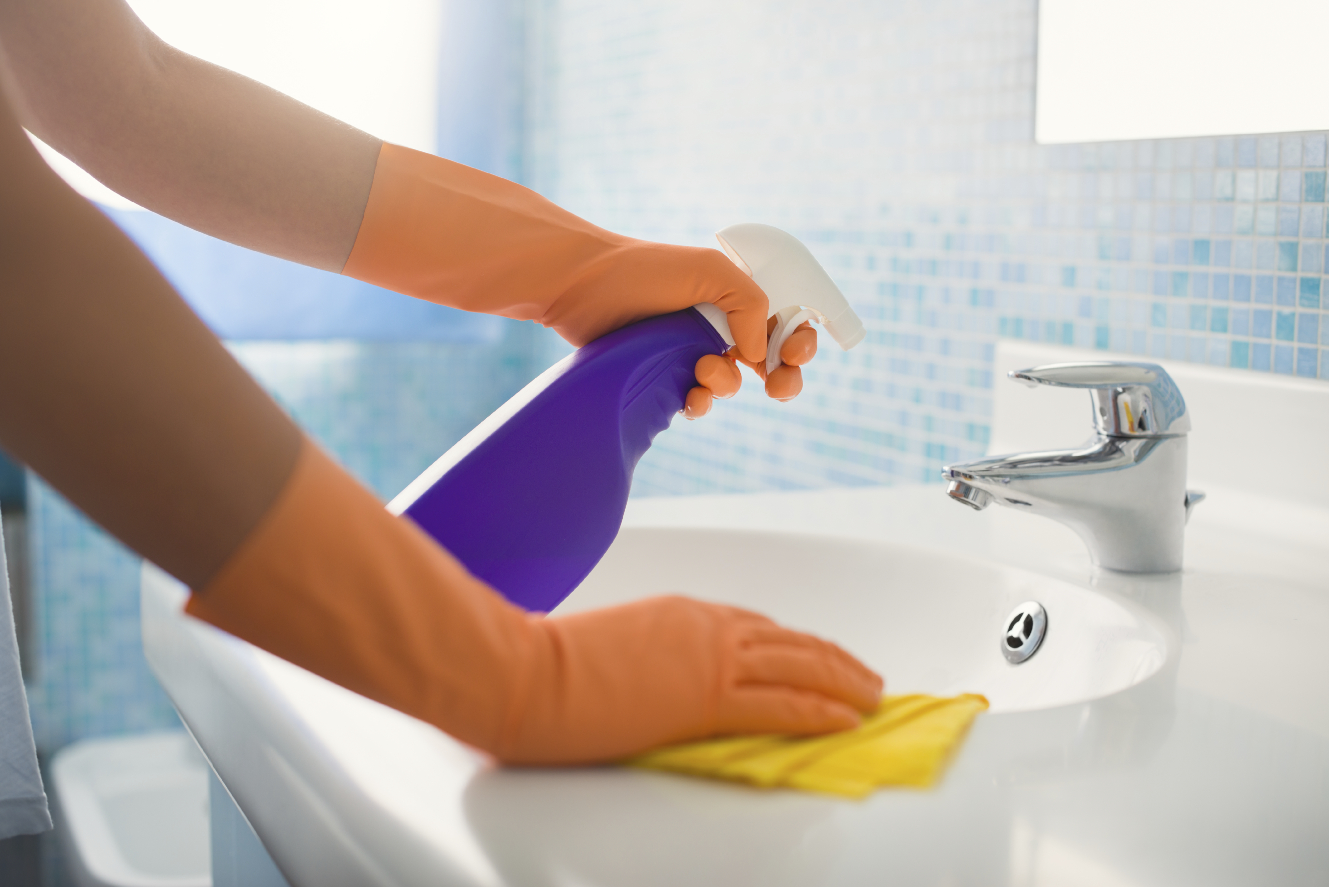 The Fastest Way To Clean Your Bathroom. Fall Cleaning